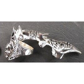 SKULL Bone SILVER PEWTER Goth Finger ARMOR RING SPIKE !