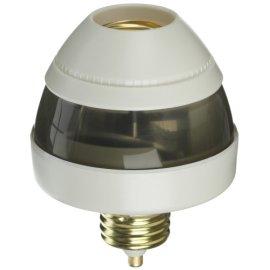 First Alert® PIR720R 360° Hands-Free Light Socket w/Motion Sensor