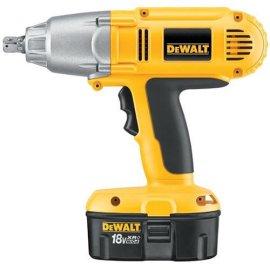 DeWalt DW059K-2 18-Volt 1/2 Cordless Impact Wrench Kit