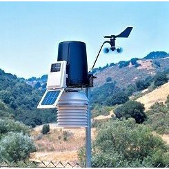 Davis Vantage Pro2 Wireless Weather Station with Fan-Aspirated Radiation Shield (# 6153)